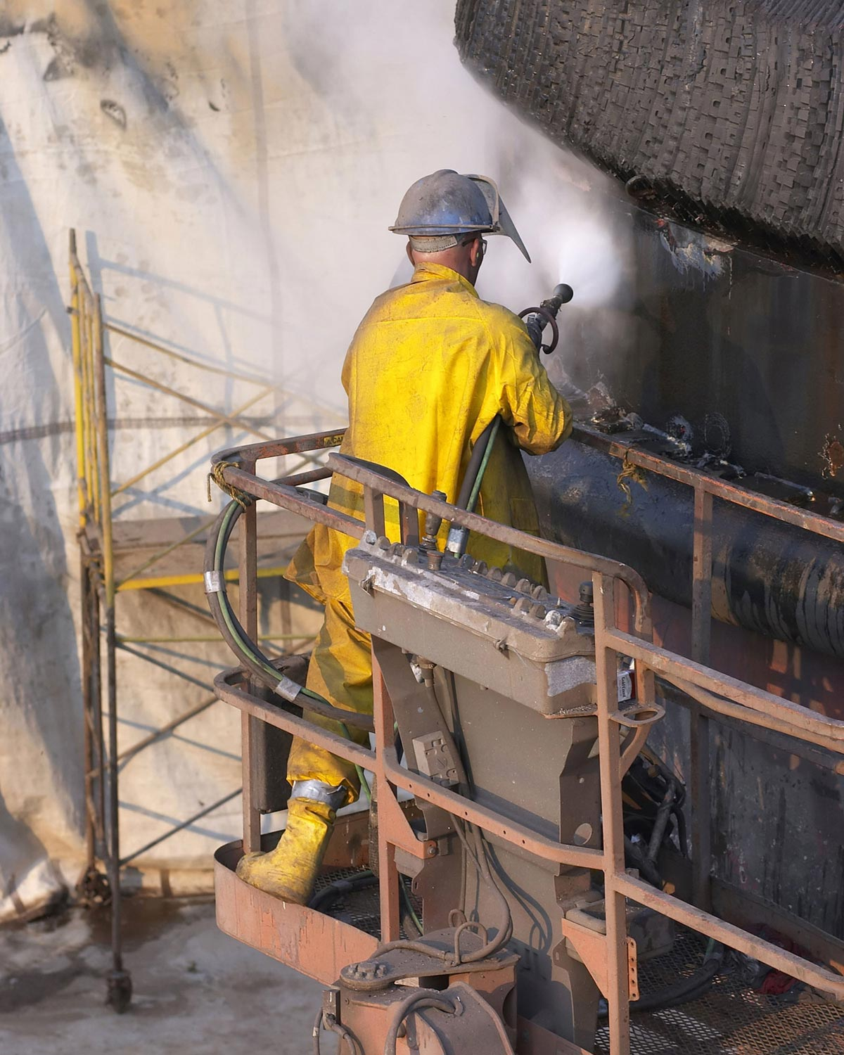 Blasting of paint for surface preparation