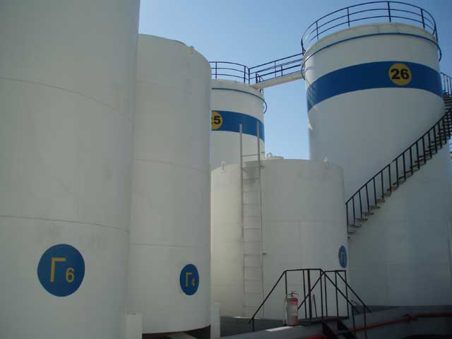 Chemical Cleaning Hydroblasting Coating Of Industrial Storage Tanks
