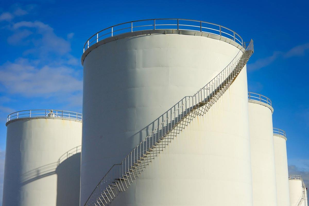 Industrial metal fuel tanks