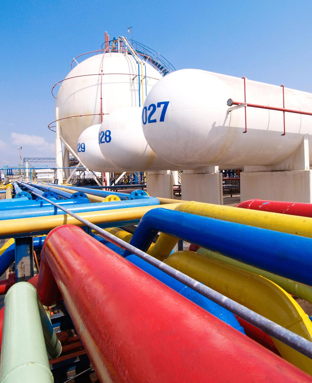 Pipe lines and gas tanks